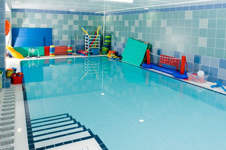 Uraterapia - Única piscina climatizada de cloración salina