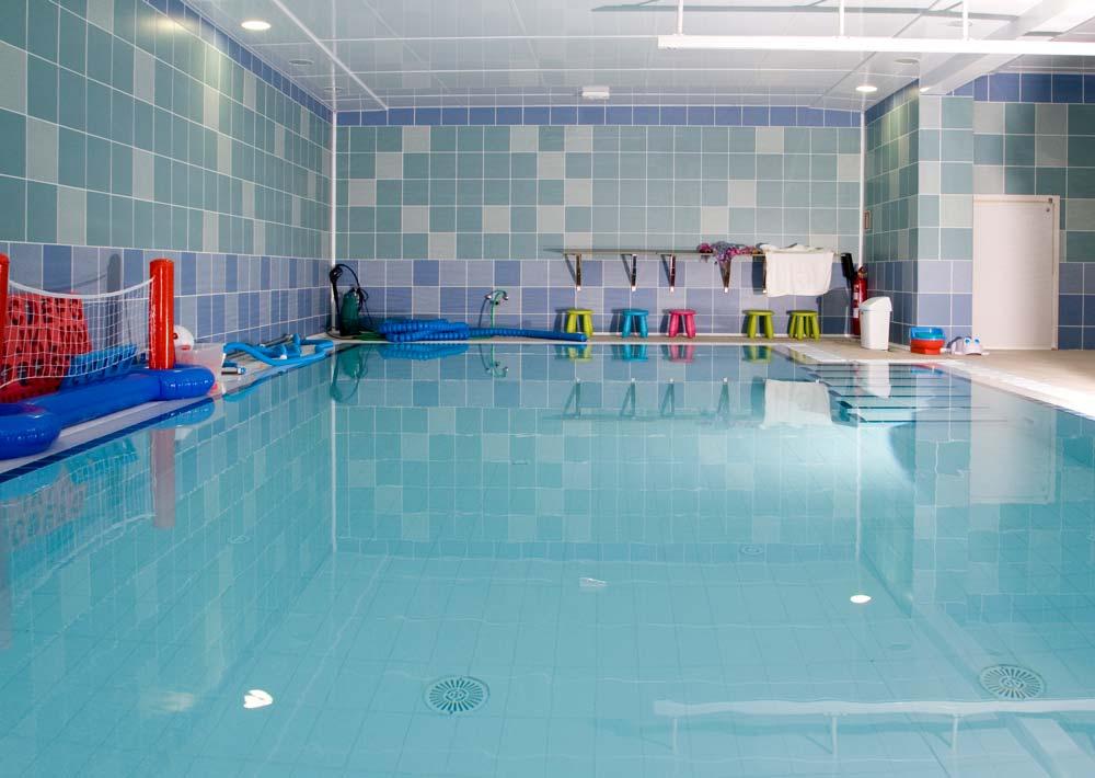 Consejos clases de nataci n beb s embarazadas ni os y adultos - Piscinas para bebes ...